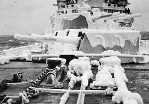 HMS BELFAST ON WINTER DUTY IN NORTHERN WATERS DURING THE WINTER 1942-1943
