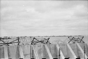 MULBERRY HARBOURS DURING THE ALLIED INVASION OF NORMANDY - JUNE 1944