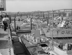 AT THE LIGHT COASTAL FORCES BASE, HMS HORNET, GOSPORT, 15 AUGUST 1944.