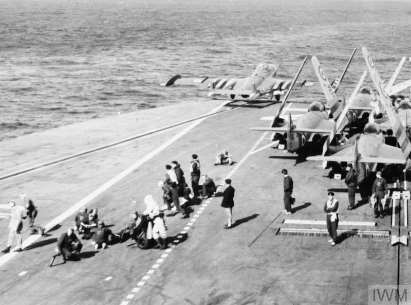 suez crisis Crisis del canal de suez 31 de octubre 1956 el 31 de octubre de 1956 gran bretaña y francia bombardearon varios objetivos militares egipcios para forzar la.