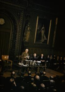 VISIT OF FIELD MARSHAL SMUTS, PRIME MINISTER OF SOUTH AFRICA TO THE HOUSE OF COMMONS, WESTMINSTER, LONDON, 21 OCTOBER 1942