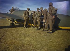 PARATROOP TRAINING AT NETHERAVON,WILTSHIRE, NOVEMBER 1942