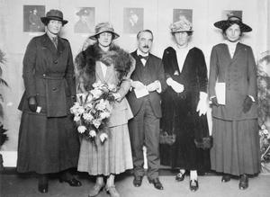 THE WOMEN'S WORK IN SERVICES, 1914-1918