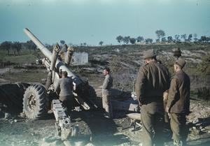 A 5.5 INCH GUN CREW ON THE ITALIAN FRONT, 10 JANUARY 1944