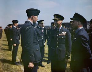 THE VISIT OF HM KING GEORGE VI TO NO 617 SQUADRON (THE DAMBUSTERS), ROYAL AIR FORCE, SCAMPTON, LINCOLNSHIRE, 27 MAY 1943