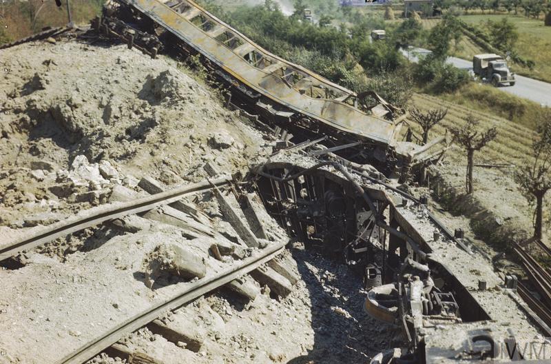 arezzo chiusi italy train - photo#18