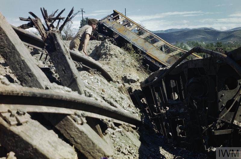 arezzo chiusi italy train - photo#20