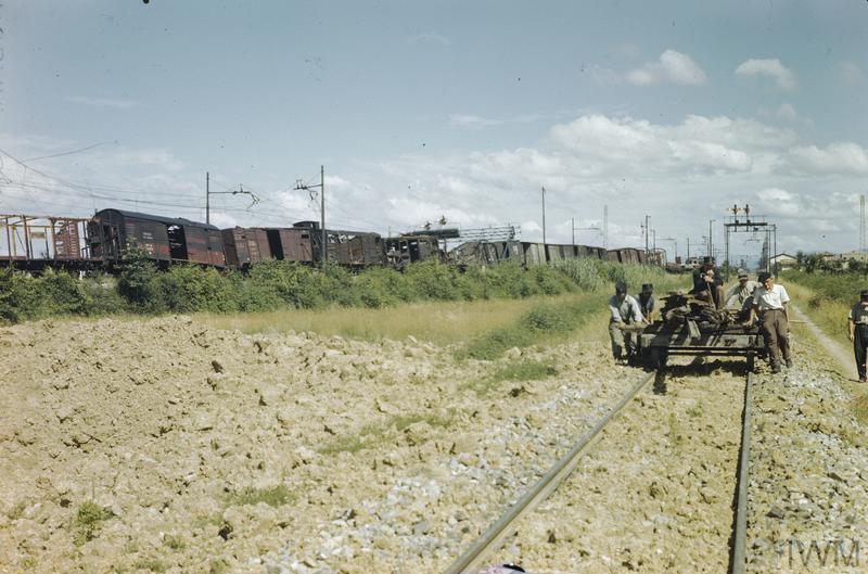 arezzo chiusi italy train - photo#19