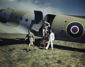 HM KING GEORGE VI VISITS AN ADVANCED ROYAL AIR FORCE AIRFIELD IN ITALY, 26 JULY 1944
