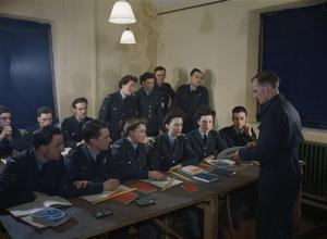 ROYAL AIR FORCE RESETTLEMENT TRAINING AT MANCHESTER CENTRAL LIBRARY, 1945