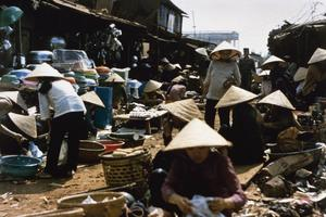 THE VIETNAM WAR 1962 - 1975
