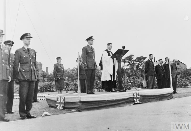 VJ DAY PARADE AND SERVICE AT RAF WATNALL