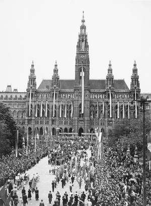 THE BRITISH OCCUPATION OF VIENNA, AUSTRIA 1946 - 1947