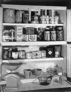MINISTRY OF FOOD RECOMMENDED EMERGENCY FOOD STORE FOR ONE PERSON, AUGUST 1942