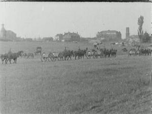 GENERAL RAWLINSON'S HEADQUARTERS AND AUSTRALIAN TROOPS, 1918 [Allocated Title]