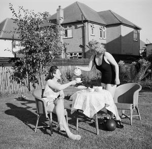 STAY AT HOME HOLIDAYS: ENTERTAINMENT AND RELAXATION IN WARTIME LONDON, ENGLAND, 1943