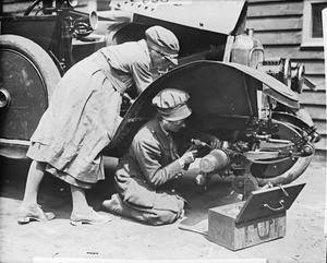 THE WOMEN'S ARMY AUXILIARY CORPS ON THE WESTERN FRONT, 1917-1918