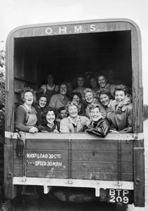 WOMEN ON THE HOME FRONT 1939 - 1945