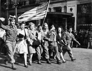 THE VJ CELEBRATIONS IN LONDON, AUGUST 1945