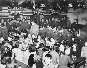 AMERICANS IN BRITAIN, 1942 - 1945