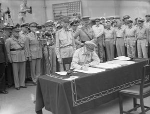 JAPANESE SURRENDER AT TOKYO BAY, 2 SEPTEMBER 1945