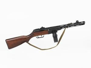 PPSh 41 submachinegun with blowback replaceable box magazine