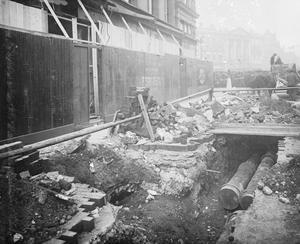 AIR RAID DAMAGE IN THE UNITED KINGDOM DURING THE FIRST WORLD WAR.