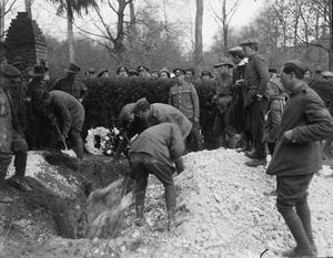 THE FUNERAL OF RITTMEISTER MANFRED VON RICHTHOFEN, APRIL 1918
