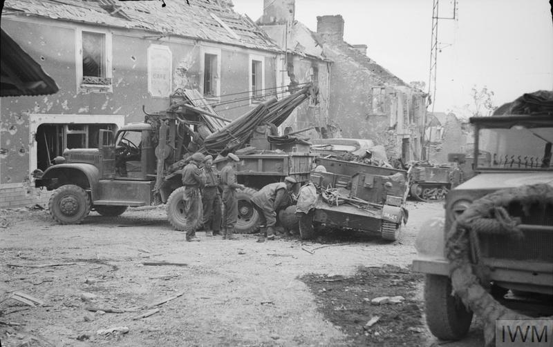 The British Army In Normandy 1944 B 8498