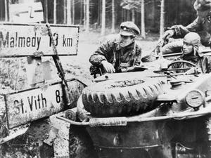 THE BATTLE OF THE BULGE: THE GERMAN ARDENNES OFFENSIVE DECEMBER 1944 - JANUARY 1945.