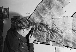 ROYAL AIR FORCE: OPERATIONS BY THE PHOTOGRAPHIC RECONNAISSANCE UNITS, 1939-1945.