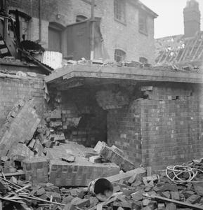 BOMB DAMAGE IN BIRMINGHAM, WARWICKSHIRE, ENGLAND, UK, c 1940