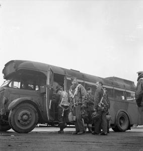 LIFE AT A BOMBER STATION: LINTON-ON-OUSE, YORKSHIRE, ENGLAND, UK, OCTOBER 1941