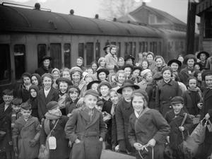 EVACUEES FROM BRISTOL TO KINGSBRIDGE, DEVON, 1940