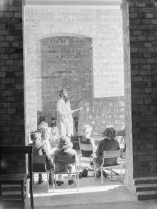LONDON SCHOOLS IN WARTIME: SCHOOL LIFE IN LONDON, ENGLAND, 1941