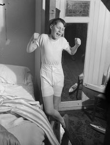 UTILITY UNDERWEAR: CLOTHING RESTRICTIONS ON THE BRITISH HOME FRONT, 1942