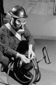 AIR RAID PRECAUTIONS AND CIVIL DEFENCE ORGANISATIONS IN BRITAIN DURING THE SECOND WORLD WAR