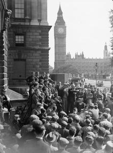 HARRY POLLITT SPEAKS AT WHITEHALL, LONDON, ENGLAND, 1941