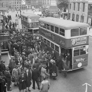 LONDON AT WAR, 1942