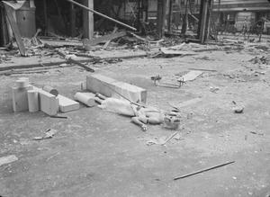 BOMBS HIT LONDON STORES: AIR RAID DAMAGE IN LONDON, ENGLAND, 1940