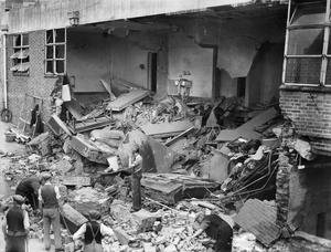 BOMB DAMAGE TO THE KENT AND SUSSEX HOSPITAL, TUNBRIDGE WELLS, KENT, ENGLAND c 1940