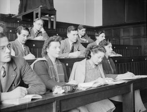 KING'S COLLEGE LONDON STUDENTS EVACUATED TO BRISTOL, ENGLAND, 1940