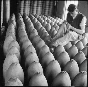 MUNITIONS PRODUCTION IN BRITAIN, 1940