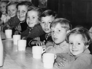 BELGIAN REFUGEE CHILDREN IN LONDON, ENGLAND, 1940