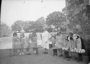 LONDON EVACUEES IN CARMARTHENSHIRE, WALES, 1940