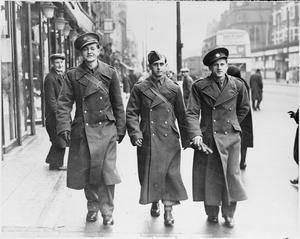 ALLIED SOLDIERS LIKE LONDON AND LONDON LIKES THEM: OVERSEAS TROOPS IN ENGLAND, 1940