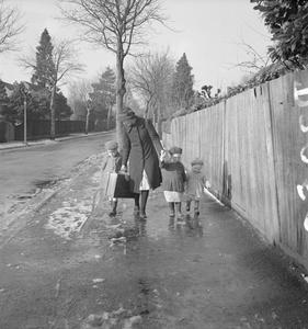 FROM THE CHILDREN OF AMERICA TO THE CHILDREN OF BRITAIN: THE WORK OF KILRONAN NURSERY, WOKING, SURREY, ENGLAND, 1941