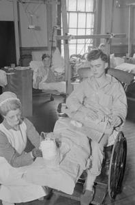 THE WORK OF THE AMERICAN HOSPITAL IN BRITAIN, PARK PREWETT HOSPITAL, BASINGSTOKE, HAMPSHIRE, FEBRUARY 1941