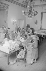 BRITISH WAR RELIEF SOCIETY OF AMERICA SENDS CLOTHING TO BRITAIN, 1941