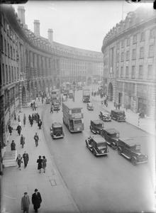 LONDON IN THE SPRING OF 1941: EVERYDAY LIFE IN LONDON, ENGLAND
